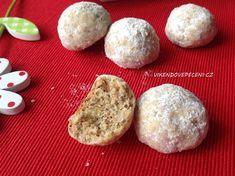 Ořechové kuličky s ovesnými vločkami Hamburger, Cheesecake, Food And Drink, Bread, Desserts, Tailgate Desserts, Deserts, Cheese Cakes, Hamburgers