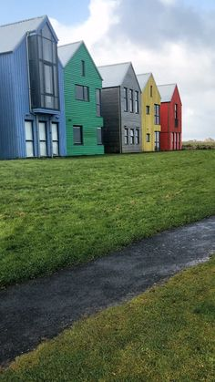 Discover the self-catering apartments at the colourful John O'Groats Inn accommodation on the Scotland NC500 route. #nc500accommodation #northcoast500accommodation #placestostayinscotland #nc500hotels #nc500 North Coast 500, Scotland Road Trip, Apartments, Catering, The Good Place, Shed, Around The Worlds, Outdoor Structures, Cabin