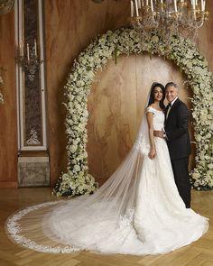 Amal Clooney married George Clooney in custom Oscar de la Renta, Amal Clooney Wedding Dress, George Clooney Wedding, Famous Wedding Dresses, Wedding Dresses 2014, Wedding Weekend, Wedding Day, Wedding Album, Wedding Ceremony, Wedding Movies
