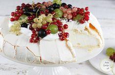 Tort Pavlova | AniaGotuje.pl Whipped Frosting, Marshmallow Fondant, Polish Recipes, Polish Food, Meringue, Sweet Recipes, Camembert Cheese, Cheesecake, Food And Drink