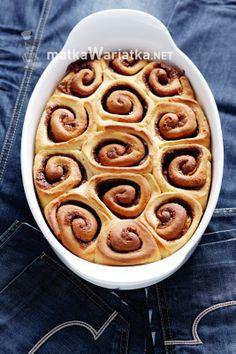 cinnamon rolls :)  http://www.matkawariatka.net/2014/05/norweskie-bulki-cynamonowe-wedlug-nigelli/