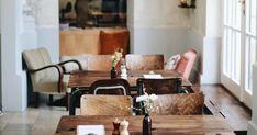 Café Hildebrandt im Gartenpalais Schönborn - Wien Retro Chic, Trips, Conference Room, Dining Table, Future, City, Home Decor, Wedding, Viajes
