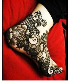 Henna and Mehandi Design: beautiful design for the feet Mehndi Tattoo, Henna Tatoos, Mehndi Art, Henna Mehndi, Henna Art, Mehendi, Tattoo Indian, Mehandi Designs, Arabic Mehndi Designs