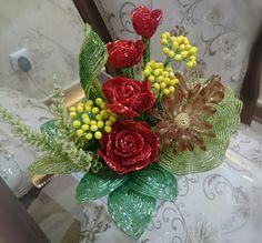 دسته گل منجوقی  Beaded basket flower