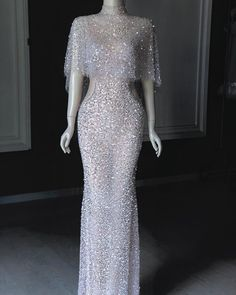 likes, 42 comments … – Outfit Inspiration & Ideas for All Occasions Bridal Dresses, Prom Dresses, Formal Dresses, Sparkly Dresses, Elegant Dresses, Pretty Dresses, Crystal Gown, Mode Outfits, Mode Style