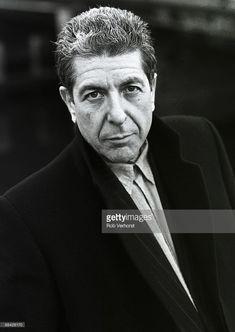 Photo of Leonard COHEN; posed