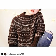 Por fin puedes ver cómo queda el jersey The Twigs ya terminado. El patrón saldrá a la venta el próximo día 25 de febrero no es precioso? Que ganas de acabar el mío!  . #Repost @junkookamoto212 with @repostapp  I will release the twigs pattern from Ravelry on February 25th!  - - Two wonderful ladies Isabel @ohlanas and Marijke @ribbels_ribbels helped the test of this pattern Thank you very much And I feel very happy to be able to make the patterns again using Moeke yarns! Thank you very much…