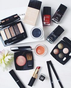 The latest on inthefrow.com! The @chanelofficial Autumn beauty collection