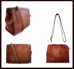 Nos encanta este bolso estilo bandolera porque es perfecto para el día a día Puedes conseguirlo en nuestra tienda online  http://ift.tt/2en2GYi ! #bolso #bag #casual #moda #complementos #instapic #bolsos #outfit #AzzafranBeUnique