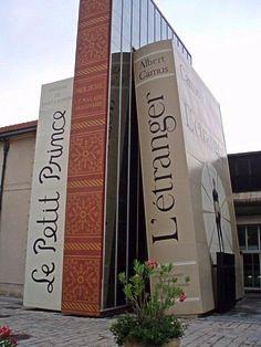 Bookstore; Aix en Provence, France