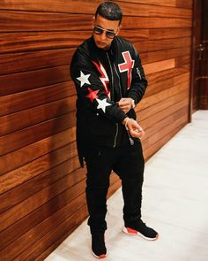 Daddy Yankee, The Big Boss, Celebrity Singers, Mens Fashion, Fashion Outfits, Puerto Ricans, Gorgeous Men, Beautiful People, Cute Guys