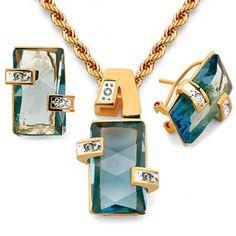 Conjunto collar y pendientes, gold filled y cristales. Colores disponibles: azul, verde. Cordón 45cm, cierre reasa. Pendientes cierre omega.
