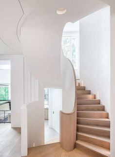 75 Modern staircase ideas: Transform your staircase into something extraordinary | Livingetc Mid Terrace House, Victorian Terrace House, Victorian Townhouse, Victorian Homes, Townhouse Interior, Interior Staircase, Modern Staircase, Interior Architecture, Staircase Ideas