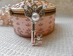 Jewellery Necklace, Key Necklace, Skeleton Key, Vintage Style, Key Pendant, Steampunk Necklace, Statement Necklace, Fantasy Pendant by KeyofMyHope on Etsy