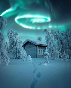 Aurora Borealis, Sky Landscape, Celestial, Belleza Natural, Travel Light, Air Travel, Vacation Trips, Land Scape, Landscape Photography