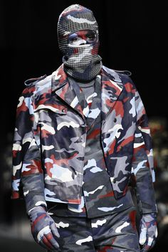 Moncler Gamme Bleu Fall 2016 Menswear Fashion Show Details