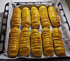 Pariziene cu umplutura de mere - Bunătăți din bucătăria Gicuței Hot Dogs, Sausage, Pizza, Meat, Ethnic Recipes, Food, Eten, Sausages, Meals