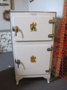 ... Old Ice Box on Pinterest  Refrigerators, Ice and Vintage refrigerator