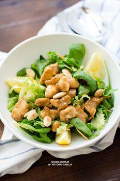 Una ciotola di pollo al limone con spinacino e insalata mista... ed ecco la felicità. Una ricetta leggera, facile da preparare e meravigliosamente fresca!