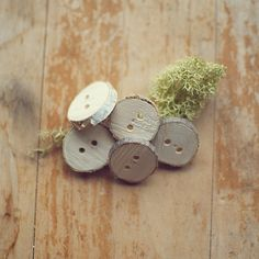 lovely wooden buttons :)
