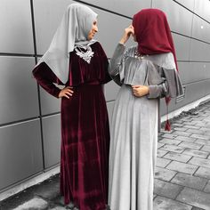 "2,670 Likes, 21 Comments - Ebru (@ebrusootds) on Instagram: "" swipe Hijab @hijabpearl.b (auch in anderen Farben erhältlich) Dress / Kleid / Elbise …"""