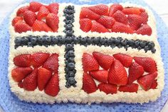 Kake og dessert tips til mai! - My Little Kitchen 17. Mai, Norwegian Flag, A Food, Food And Drink, Public Holidays, Recipe Boards, Little Kitchen, Food Inspiration, Party Time