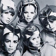 Space age design by Pierre Cardin Space Girl, Space Age, Aliens, Image Mode, Space Fashion, Women's Fashion, Fashion Design, Vintage Space, Helmet Design