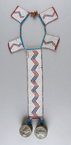 Mpondomise (Xhosa) neckpiece with snuff boxes, South Africa, ca. 1933 or earlier. African Beads, African Jewelry, African Art, Ancient Egyptian Jewelry, Gold Costume Jewelry, Xhosa, African Home Decor, Textile Texture, Walmart Jewelry