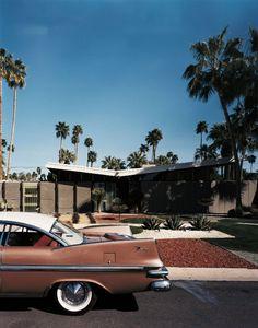 Palm Springs is the living museum of mid-century modern architecture, where home… – En Güncel Araba Resimleri Palm Springs, Coachella Valley, Rolls Royce, Retro Cars, Vintage Cars, Vintage Houses, Modernisme, Retro Aesthetic, Mid Century House