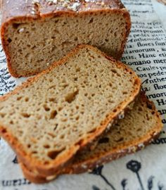 Prosty żytni chleb radzieckiego żołnierza. Styczniowy Vegan Ramen, Polish Recipes, Polish Food, Pumpkin Cheesecake, Bread Rolls, Banana Bread, Food To Make, Food And Drink, Nutrition
