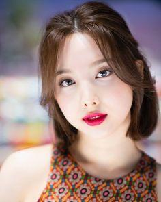 Extended Play, Twice Korean, Jimin Fanart, Shot Hair Styles, Nayeon Twice, Tzuyu Twice, Im Nayeon, Kpop Aesthetic, Hair Designs