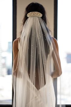 A Guide to the Perfect Veil – Page 55 of 58 Wedding; Bridal… – wedding photography bride and groom Wedding Veils With Hair Down, Wedding Hairstyles With Veil, Bridal Hairstyles, Veil Hair Down, Wedding Hairstyles Veil, Bride Short Hair, Bride Hair Down, Short Bridal Hair, Scene Hairstyles