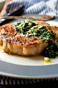 Seared Pork Cutlets With Green Garlic Salsa Verde. This recipe amplifies the green in the garlic by stirring it into an herb-filled salsa verde. I also added garlic chives to the mix for a little more garlic flavor. Pork Recipes, Cooking Recipes, Healthy Recipes, Garlic Recipes, Dinner Entrees, Dinner Recipes, Seared Pork Chops, Salsa Verde Recipe, Pork Cutlets