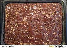 Dobrota z jablek a ořechů recept - TopRecepty.cz Sheet Pan, Banana Bread, Cake Recipes, Food And Drink, Cooking Recipes, Sweets, Desserts, Springform Pan, Tailgate Desserts