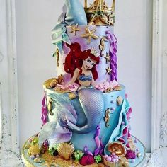 "Por @atelie_casa_da_torta on Instagram: ""Bolo maravilhoso 👈️ Follow Cake by @ ??????? #cakedecorating #baking  #cakestyling #weddingcakes #weddingcake #luxurycake #buttercream…"""