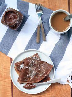 Шоколадные блины без муки - Банан1 шт. Яйца2 шт. Какао (какао-порошок)1 ст.л. Йогурт (натуральный)200 г Мёд1 ст.л