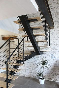 design of staircase wall - design of staircase ; design of staircase wall ; design of staircase armrest ; Stair Railing Design, Home Stairs Design, House Design, Barn Homes Floor Plans, Metal Barn Homes, Modern Wall Paneling, Modern Stairs, Redo Stairs, House Stairs
