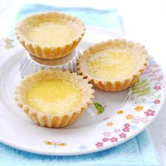 """So i made these egg tarts and served it for breakfast yesterday. So when the question"""" Where are my favourite egg tarts?"""" came about on the breakfast table this morning, i knew i hit go… Egg Custard Tart Recipe, Egg Tart, Tart Recipes, Dessert Recipes, Dessert Ideas, Just Desserts, Delicious Desserts, Everyday Food, Sweet And Salty"""