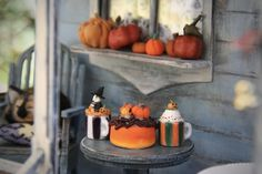Halloween Food For Party, Halloween Costumes For Girls, Halloween Season, Halloween Decorations, Witch Pictures, Pumpkin Pictures, Edible Eyes, Image Gifts, Pumpkin Lights