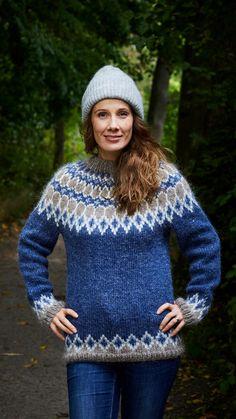 Islantilaisneule | Meillä kotona Crochet Jacket, Knit Jacket, Knit Crochet, Fair Isle Knitting Patterns, Sweater Knitting Patterns, Knitted Jackets Women, Icelandic Sweaters, Cute Sweaters, Knitted Hats