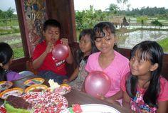 sunrise_Wayan's-children-and-cousins