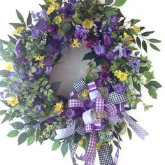 Would you like this wreath on your front door? Spring Wreaths, Easter Wreaths, Summer Wreath, Holiday Wreaths, Diy Wreath, Wreath Ideas, Wreath Making, Wreath Crafts, Grapevine Wreath