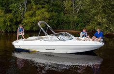 Stingray - a open bow fish and ski sport boat with excellent performance, responsive handling, and versatility to please all of your passengers Ski Sport, Sport Boats, Bowfishing, Fishing Tips, Good Times, Skiing, Sports, Fun, Boating