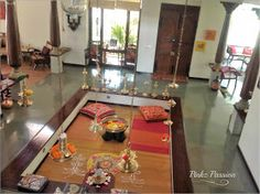 Pinkz Passion : Strong and bold Indian flavors (Home Tour of Viji Jayaraman) Indian Home Design, Indian Home Interior, Kerala House Design, Indian Interiors, Ethnic Home Decor, Natural Home Decor, Indian Home Decor, Chettinad House, Pooja Rooms