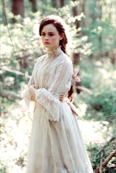 TUCK EVERLASTING. anyone who has not seen this, please, darling, please treat yourself. i love this movie, and book, dearly. its quite lovely, really.