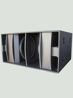 2.800W at only 20 Hz! This exclusive and impressive subwoofer system is designed to satisfy the needs of the most refined musician, specially hard roc...