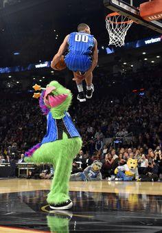 Aaron Gordon had the greatest dunk in Slam Dunk Contest history Michael Jordan, Mike Jordan, Slam Dunk, Derrick Rose, Nba Players, Basketball Players, Lebron James, Zach Lavine, Nba Pictures