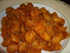 Pumpkin dumplings with ragù bolognese sauce/Gnocchi di zucca al ragù Ragu Bolognese, Pasta, Dumplings, Gnocchi, Chana Masala, Pork, Pumpkin, Ethnic Recipes, Sweet