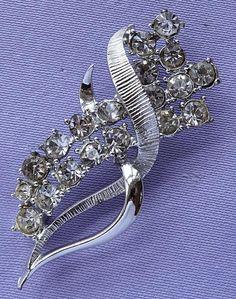 Vintage Diamante Stone Stylised Floral Ribbon Brooch