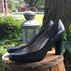 ❤️ Black Pumps ❤️ me too black pumps.  Heel is about 3-4 inches. In great condition. Small scuffs shown on pics 3 & 4. me too Shoes